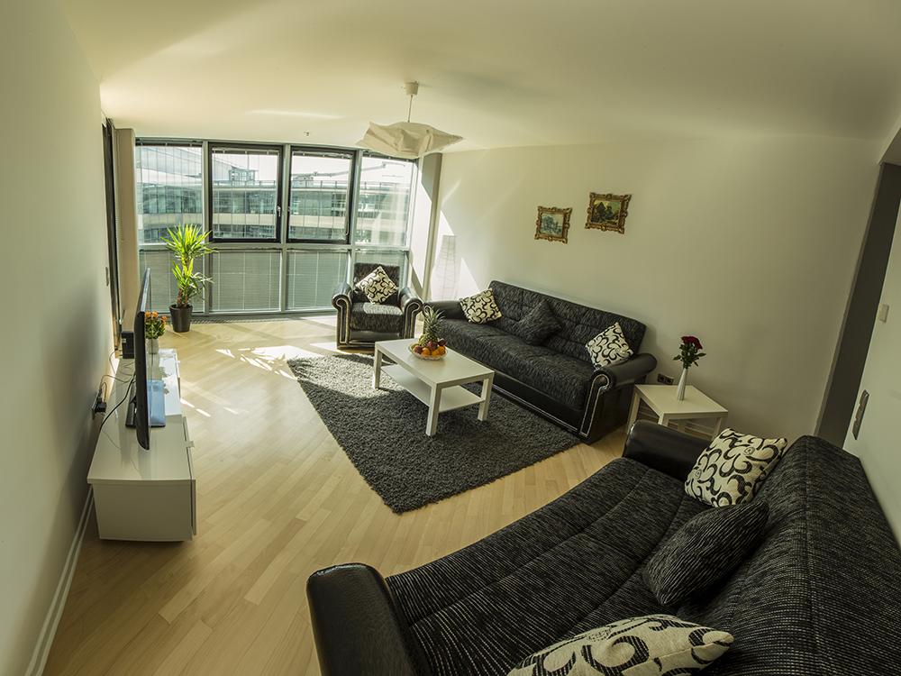 70 wohnzimmer fotostudio berlin galerie und fotostudio wohnzimmer berlin scharnhorststr. Black Bedroom Furniture Sets. Home Design Ideas